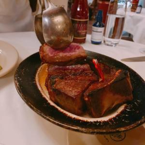 ジューシーな極上ステーキを食べるなら!ウルフギャング・ステーキハウス