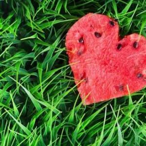 今日はスイカの日と愛…