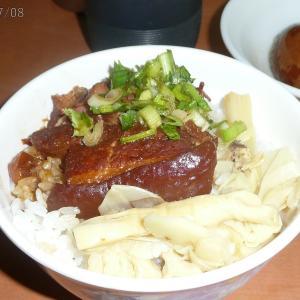 2007年8月:初一人台湾は黃記魯肉飯から