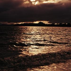 猪苗代湖の夕暮れ!