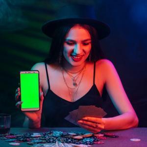インカジは利用するのも違法?オンラインカジノとの違いについて徹底解説