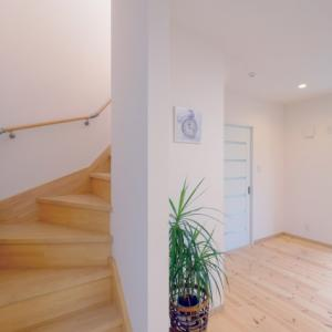 【リフォーム&DIY】階段上スペースを有効活用!気になる費用は?