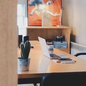 襖を壁にリフォーム!間仕切りで集中できるワークスペースに大変身