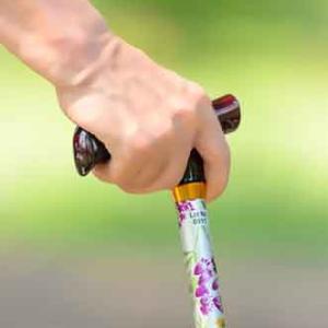 腰痛 膝痛 股関節痛 杖の使い方と杖の歩き方