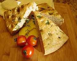 夏にぴったり茄子のサラダとフォカッチャレシピ
