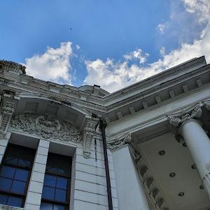 台中の築100年以上の市役所をリノベしたカフェで食べたものは・・・。