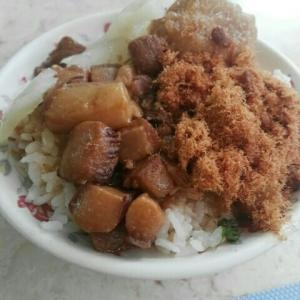 日本で初めて魯肉飯を食べる。そのお味は!?