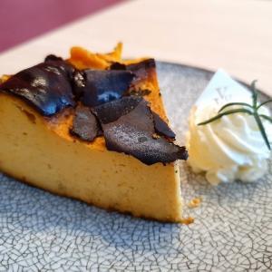 台中オペラハウスのカフェが居心地いい~♪でもこのバスクチーズケーキはちょっと!?
