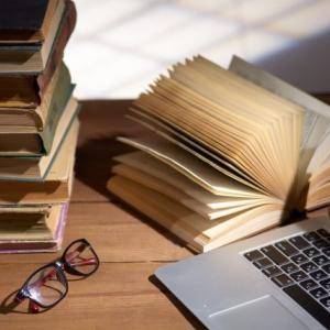 WEBライターをめざすのに、本は読んだほうがいいのか?