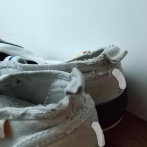 【買ってよかったもの】上履き選びは大切!かかとを踏みつぶさないおすすめ上履き。