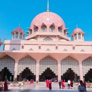 ピンクモスク(プトラモスク)を観光