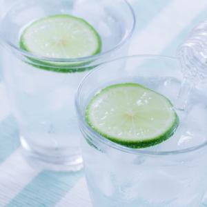 水分を取らないと痩せない?!ダイエット中の水の飲み方・飲む量は?