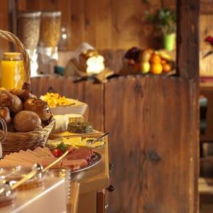 ビジネスホテル「朝食無料です」←これ