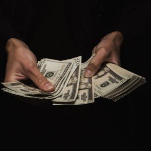 【画像】遊戯王さん、600万円以上するカードセットをたったの3万円で再販してしまうw
