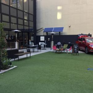 銀座二丁目で、三菱自動車が運営するカフェ「マイガーデンギンザ(MI Garden GINZA)」を見つけたよ!