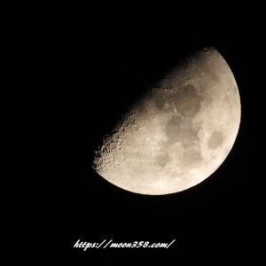 上弦の月 月暈