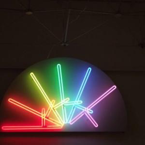 LGBTQ +のアートは社会にどう影響するのか
