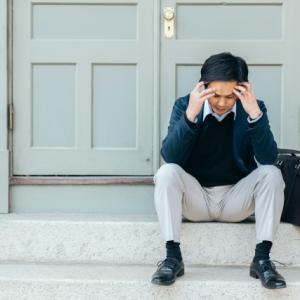 後輩がメンタルヘルスになりました。うつ病、メンタルヘルスを回避する為の3つの思考法。