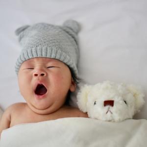 生後2ヵ月と3週間経過~ミルク量と間隔、おむつや夜泣き状況~