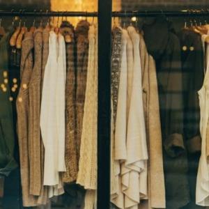 買い物依存について【服は大好きだけれど】