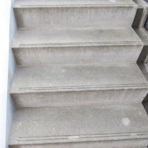 美肌と健康のために階段を