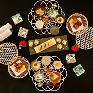 「冷製と揚げ物のあいだ」の夜。揚げ寿司いかがですか♡