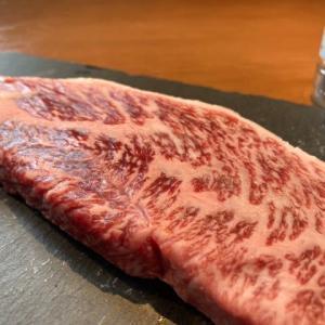 最高級A5ランクの神戸牛をステーキ&ガーリックライスにしたら…