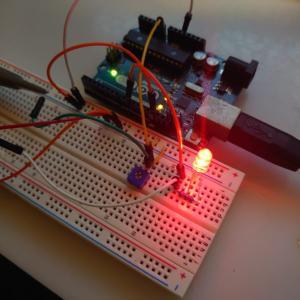 【Arduinoで電子工作-3】AD変換を使用して電圧値を出力する【シリアル通信】