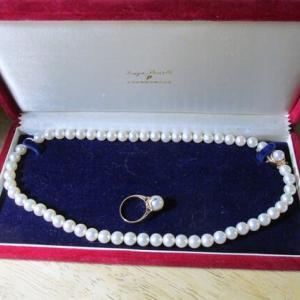 真珠のネックレス 張替えにだす