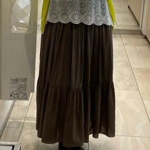 シンプル可愛いスカートがいっぱいで困ってしまいます。