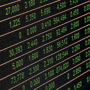投資家が市況をチェックするのに使うサイトまとめ