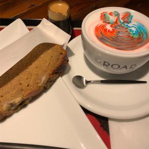 【八丁堀カフェ】レインボーラテアート「ROAR COFFEE HOUSE&ROASTERY(ロアー コーヒーハウス&ロースタリー)」