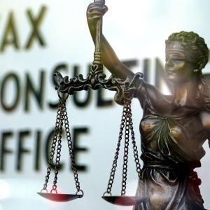 【どっちがいい?】法曹になるために法科大学院と予備試験
