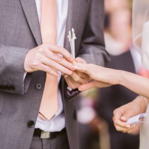 婚約指輪・結婚指輪の選び方♡相場やブランドを値段別に一挙公開!