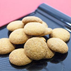 《お菓子とデザイン》【旅館大村屋STORE】「佐賀銘菓「bouro」と嬉野茶セット」のパッケージ♬