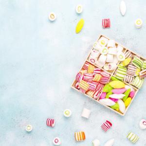 《お菓子とデザイン》【榮太樓總本鋪(えいたろうそうほんぽ)】「ア・メッセージ」のパッケージ♬