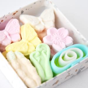 《お菓子とデザイン》【円山動物園×札幌餅の美好屋】「ホッキョクグマのお干菓子」のパッケージ♬