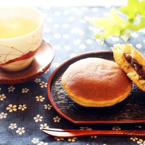 《お菓子とデザイン》【菊屋】「ドラえもん ぷりんサンド 4個入」のパッケージ♬