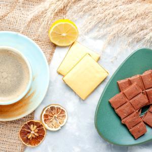 《お菓子とデザイン》【期間限定】ゴディバ、チョコなどを詰め合わせた「お菓子のトランク缶アソートメント」を発売