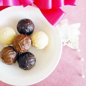 《お菓子とデザイン》カカオマーケットbyマリベル【贈り物】、ヴィンテージ風の苺がキュートなチョコレートパッケージなど3選
