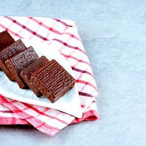 《お菓子とデザイン》カファレル【贈り物に】、アンティーク風のイラストが可愛いチョコレートパッケージなど3選