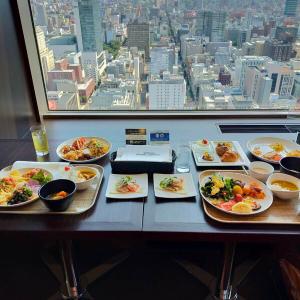 札幌JRタワーホテル日航 35階の眺望が楽しめるパノラマビュッフェ