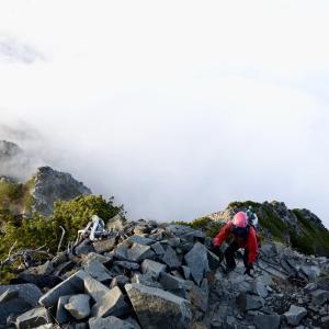 【登山記】紅葉シーズンの終わりに西穂高岳に登ってきました②:西穂山荘〜西穂高岳【テント泊】