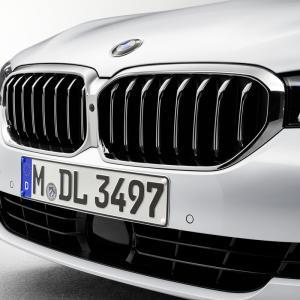 新型BMW5シリーズ【エクステリア】何が変わる??徹底比較!
