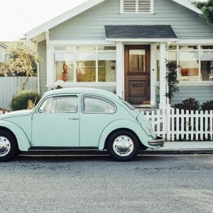 車で長距離運転する時におすすめアイテム、快適グッズ!楽しいドライブにしよう!