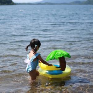猪苗代湖 中田浜奥で湖水浴