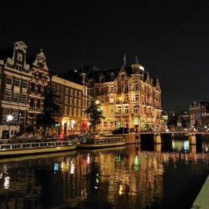 【2021オランダ旅】1日目③:ネオンに照らされる夜の飾り窓【たひまのにほひにつつまれて】