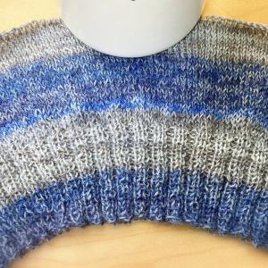 全部ほどいて、輪針で編み直し♪