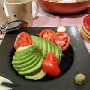 🐭簡単!冷やしトマトとアボカドのお刺身🐭