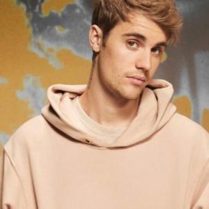 セレブファッションスナップ:Justin Bieber (ジャスティン・ビーバー)